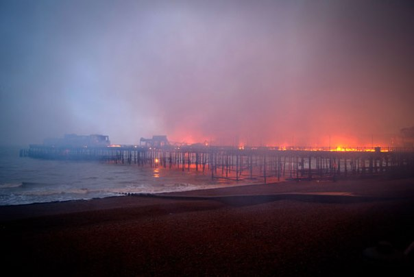 hastings-pier-fire_1732130i